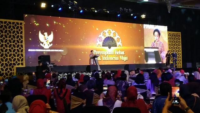 Megawati Soekarnoputri di acara seminar nasional