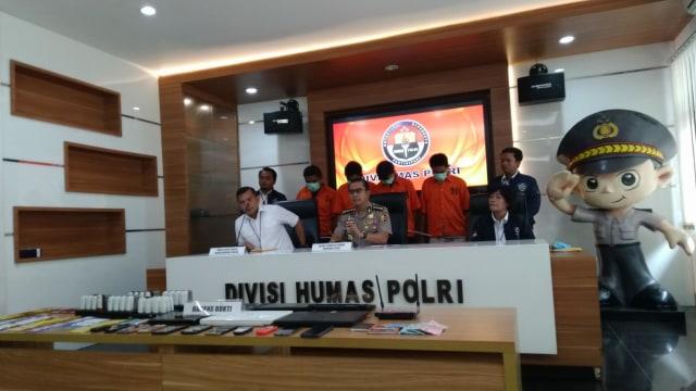 Catut Kredivo 4 Penipu Pinjaman Online Ditangkap Polisi