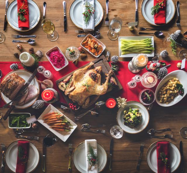 Ilustrasi makan malam saat Natal