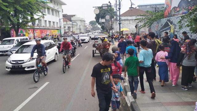 Alun-alun Masjid Agung Bandung