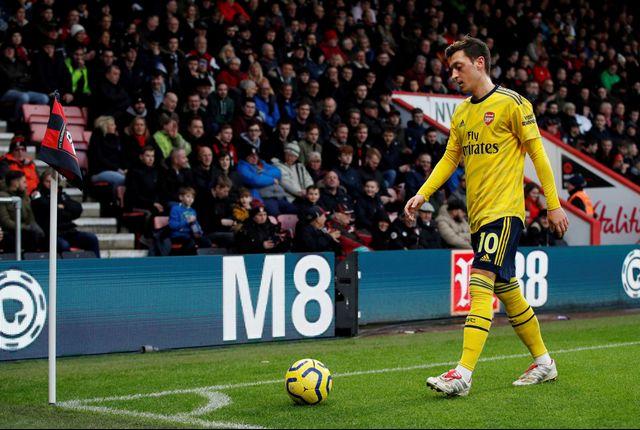 Nasib Mesut Oezil Makin Suram, Legenda Arsenal Ungkap Dua Penyebabnya (567896)