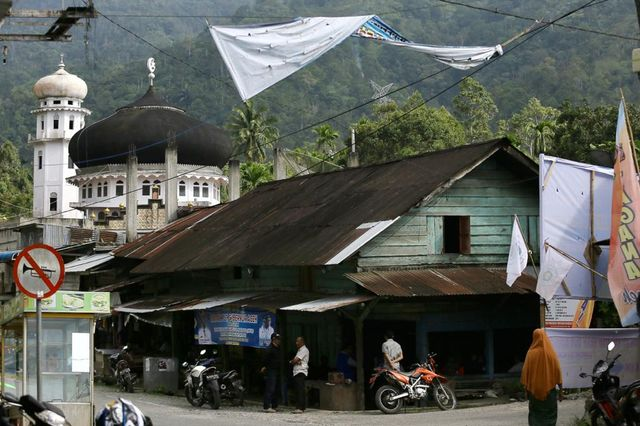 Kisah Nenek Fatimah, Barista Kopi Tradisional Tertua di Aceh (283856)