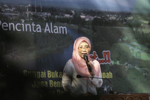 Foto: Aksi Mapala Leuser Bersihkan Krueng Aceh dari Sampah Plastik (286660)