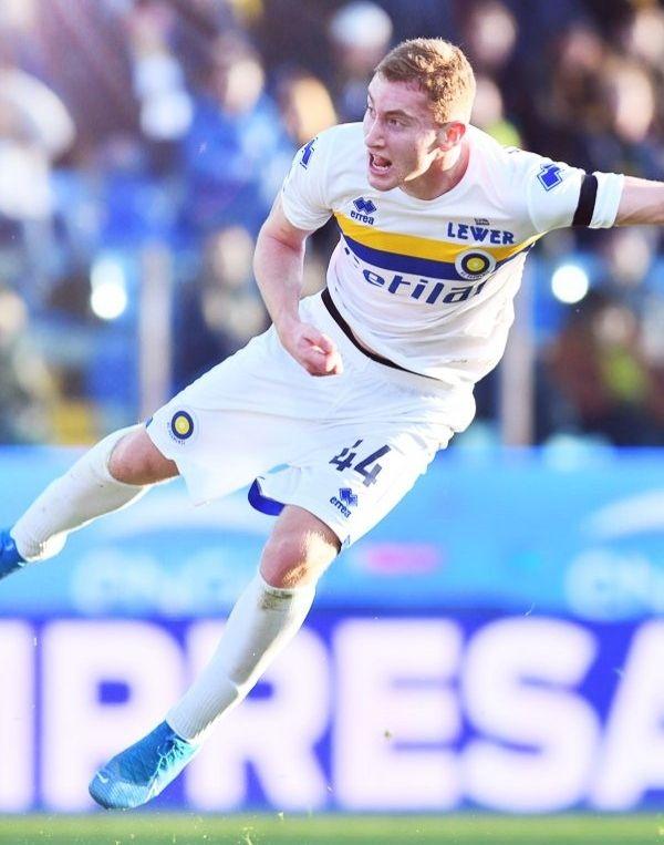 Dejan Kulusevski Kenakan Nomor 44 di Parma karena Adnan Januzaj (504)