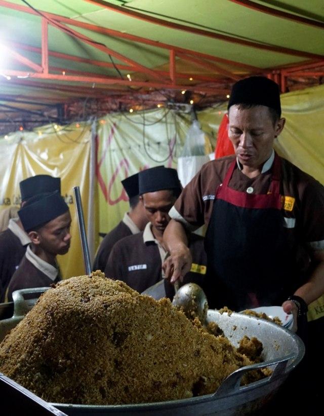 Nasi Timbu hingga Sate Klatak, 5 Makanan Khas Idul Adha dari Berbagai Daerah  (146303)