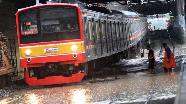 Banjir, KRL Commuterline