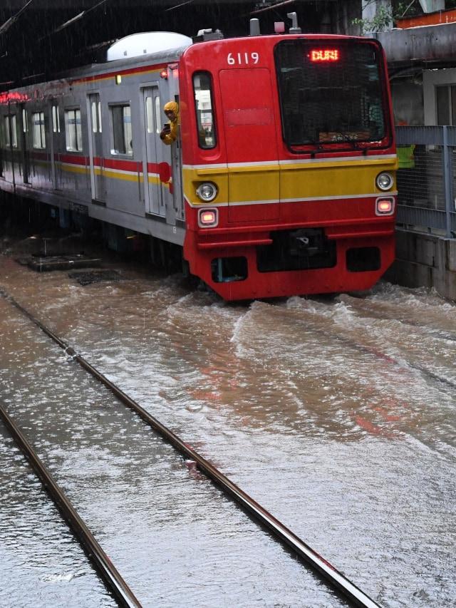 PTR, Banjir, KRL Commuterline