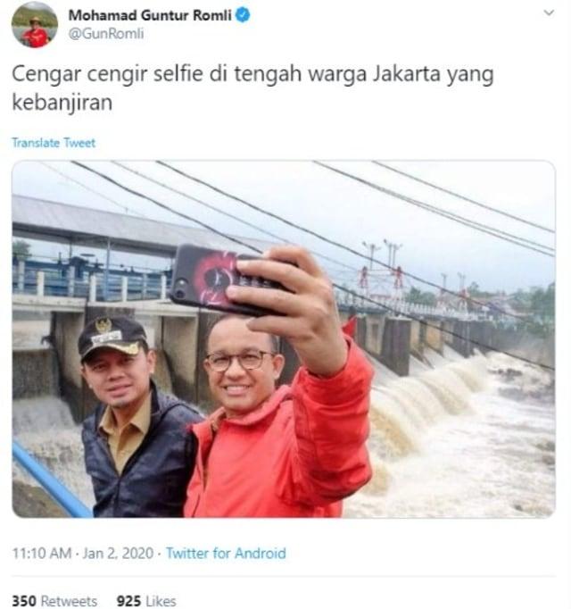 Hoaxbuster: Anies Selfie Senyum Tahun 2018 di Postingan Guntur Romli (160341)