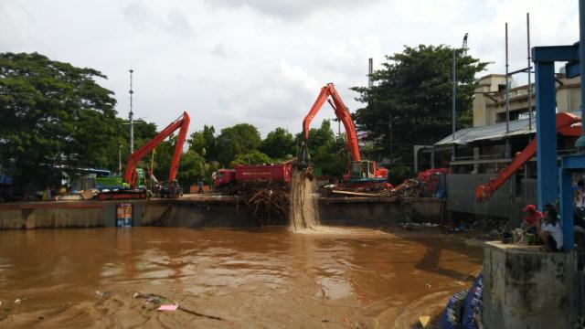 Pemprov DKI Jelaskan Penyebab Istana Banjir (101609)
