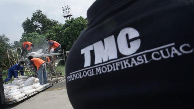 Persiapan Operasi TMC di Lanud Halim