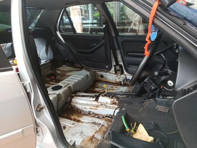 Segini Biaya Bersihkan Interior Mobil yang Terendam Banjir (25463)