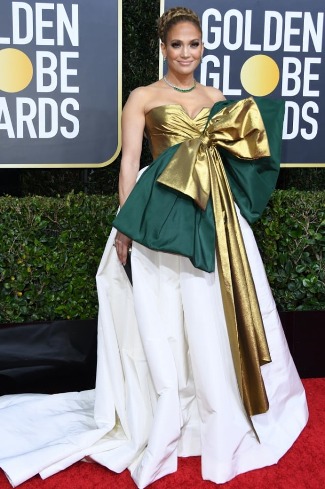 Parade Gaun Mewah Selebriti di Red Carpet Golden Globes 2020 (6265)