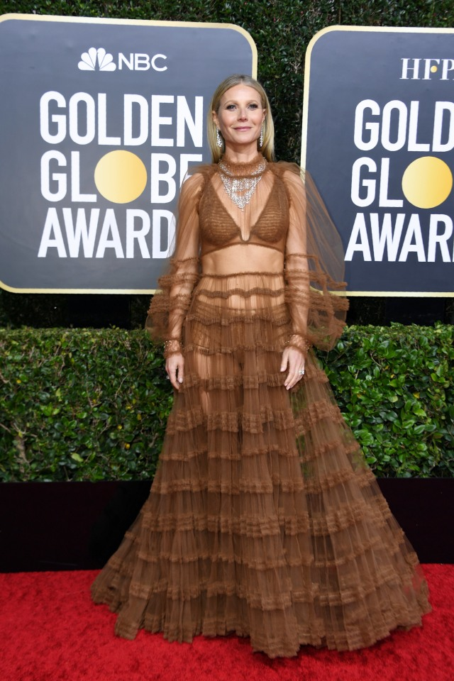 Parade Gaun Mewah Selebriti di Red Carpet Golden Globes 2020 (6267)