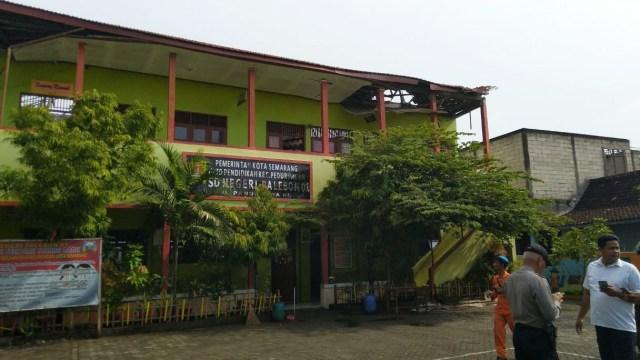 Foto: Yang Tersisa dari Robohnya Atap SDN Palebon 01 Semarang (59926)