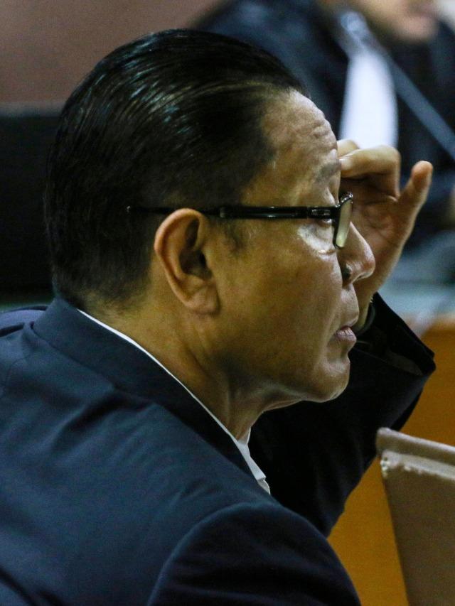 Sambil Menangis, Eks Anggota DPR Dhamantra Bantah Terima Suap Rp 2 M (73517)