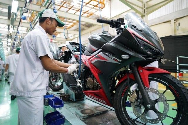 Cuci Gudang, Honda CBR150R Diskon Rp 9,2 Juta (323337)