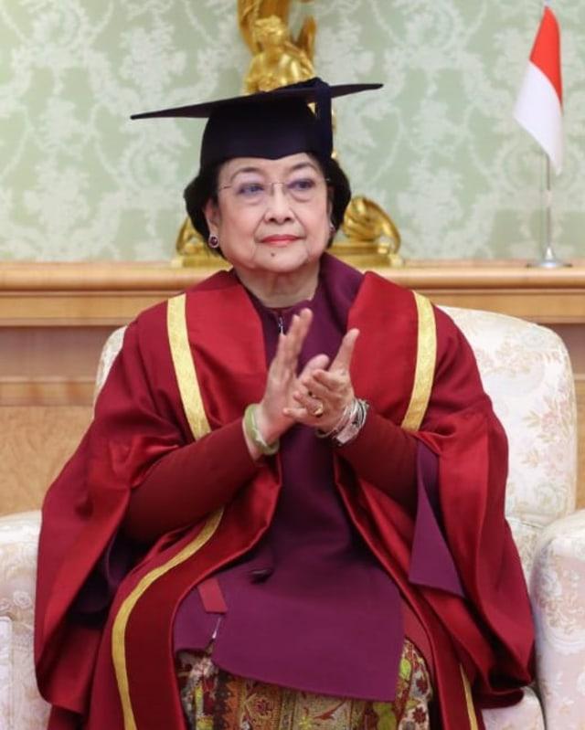 Rektor Universitas Negeri Padang Nilai Megawati Pantas Dapat Gelar Profesor (133571)