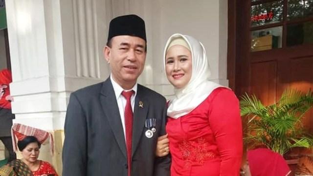 Zuraida Hanum bersama suami, Jamaluddin