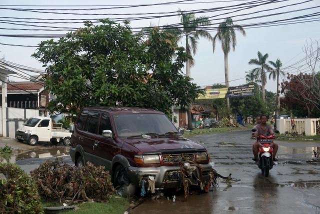 Dilema Mobil Korban Banjir (68955)