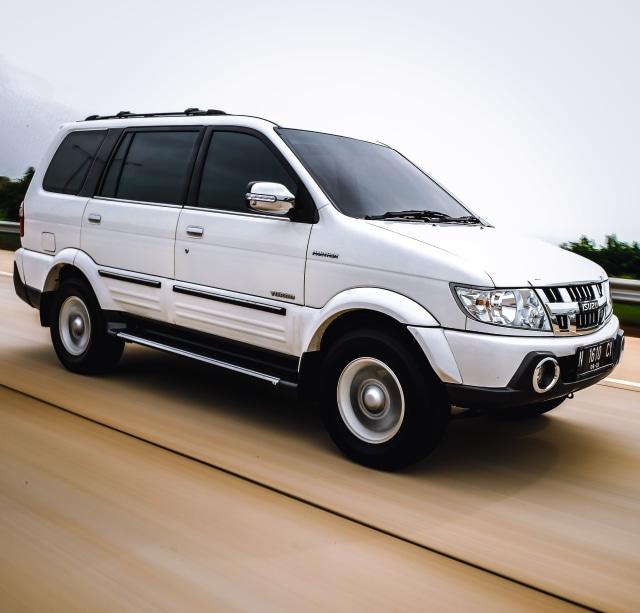 Penetapan Euro 4 Diesel Ditunda, Isuzu Panther Batal Disuntik Mati 2021? (237308)