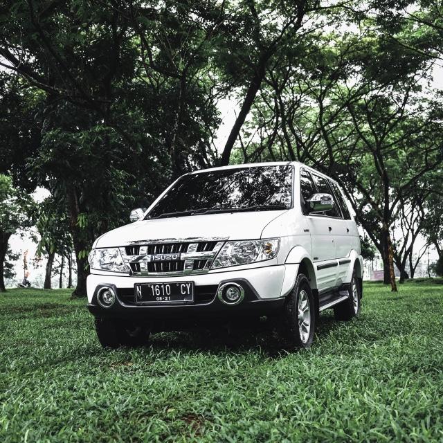 Berita Menarik: Isuzu Panther Pamit dari Indonesia; Honda PCX 160 Dimodifikasi (117430)