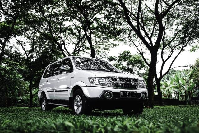 Isuzu Panther Pembuka Jalan MPV Diesel di Indonesia (270631)