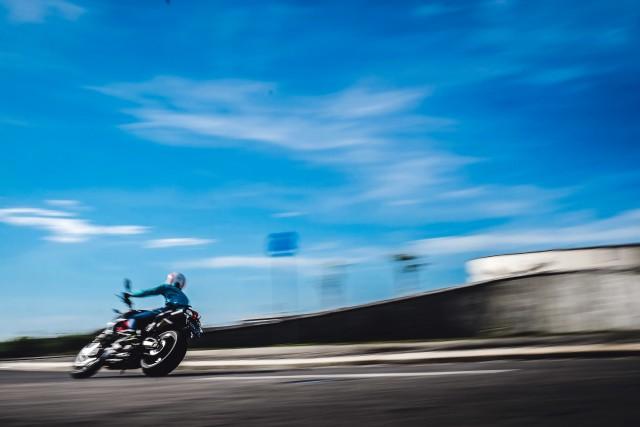 Mencoba Naked Bike Rp 560 Juta, Aprilia Shiver 900 (4421)