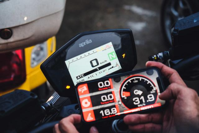Mencoba Naked Bike Rp 560 Juta, Aprilia Shiver 900 (4411)