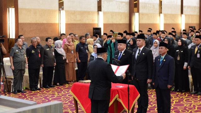 Ada Menantu Gubernur, serta Istri, Adik dan Abang Sekdaprov Riau    (769704)