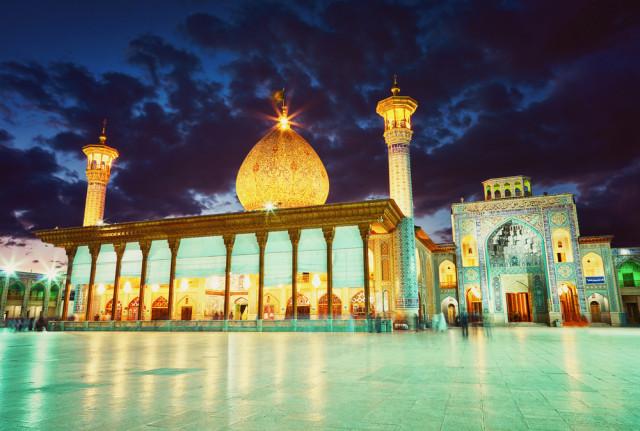 Menilik Masjid Ratusan Tahun di Iran yang Disulap Jadi Tempat Produksi Masker (100687)