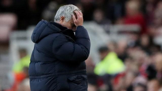 Jose Mourinho pusing 16:9