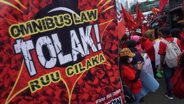 Airlangga: RUU Cipta Kerja Bisa Buat Indonesia Jadi Negara Maju di 2045 (110624)
