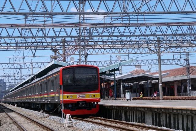 Ilustrasi KRL-Commuter Line