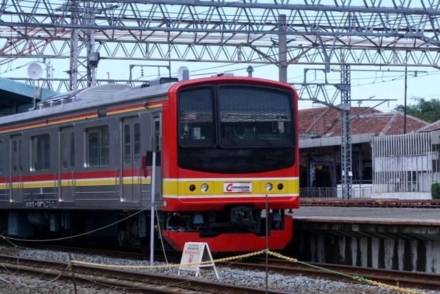 IIustrasi KRL-Commuter Line