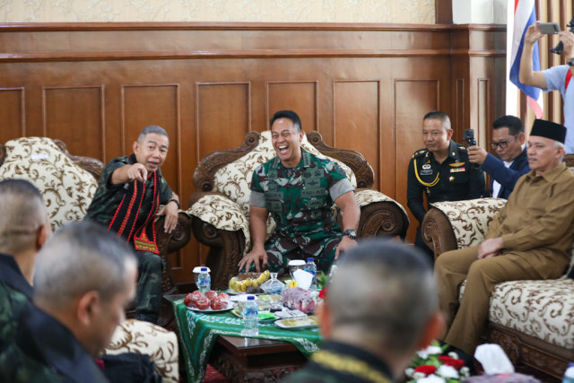 KSAD Teken Kerja Sama dengan Panglima Angkatan Darat Thailand di Aceh (1).JPG