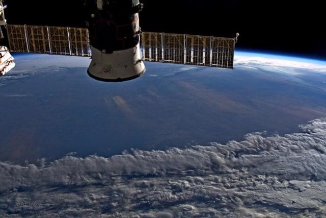 Wilayah Australia diselimuti awan abu besar.