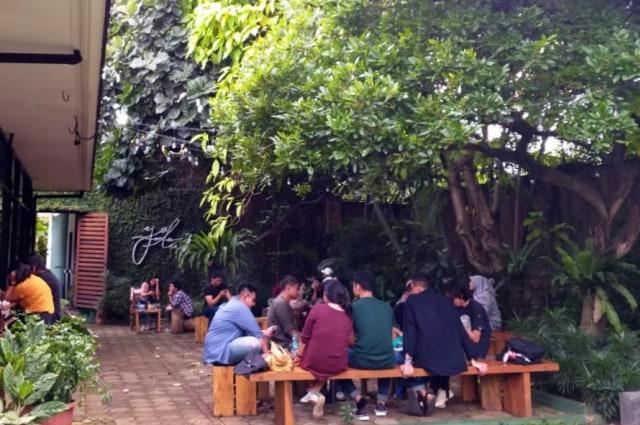 Yamalu, Kafe di Bintaro yang Tersembunyi Berkonsep Taman  (43548)
