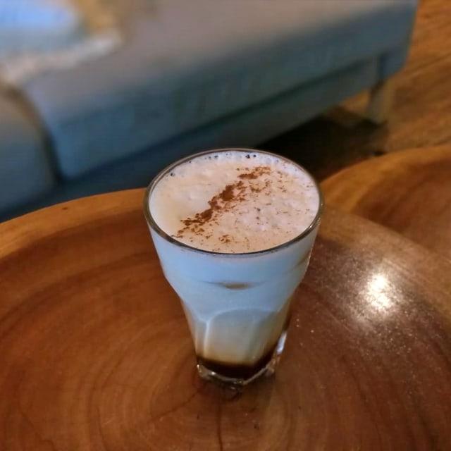 Yamalu, Kafe di Bintaro yang Tersembunyi Berkonsep Taman  (43549)