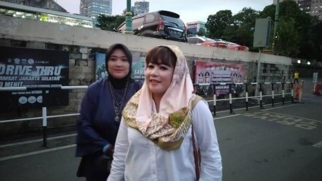 Dewi Tanjung laporkan pendukung Anies Baswedan