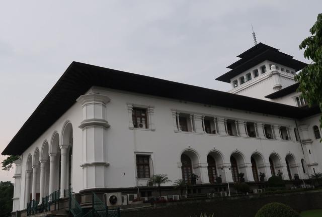Genap Seabad, Ini 5 Fakta Menarik Gedung Sate yang Jadi Ikon Kota Bandung (622499)