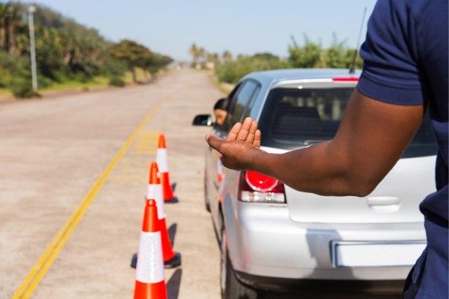 Mundurin Mobil Jangan Cuma Andalkan Kamera, Tapi Wajib Tengok Belakang! (593129)