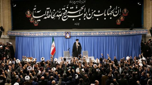 Khamenei: Musuh Iran Gembira dengan Kecelakaan Pesawat Ukraina (98753)