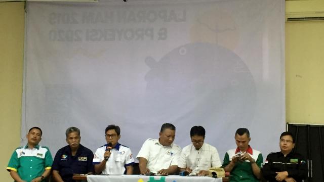 Konferensi Pers KSPI di LBH Jakarta, Sabtu (18/1).