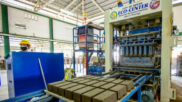 pembuatan batu bata dari abu vulkanik di filipina