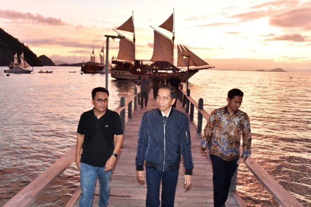 Jokowi Keliling Labuan Bajo Naik Pinisi, Lihat Kesiapan Wisata Bahari (118429)