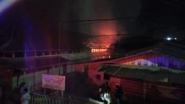 SMK Banda Achmad Aceh Tamiang Terbakar, 2 Ruang Kelas Hangus (5674)
