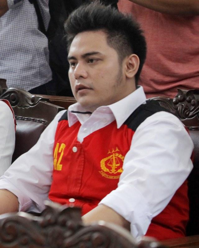 Banding Ditolak, Galih Ginanjar Tetap Dihukum 2 Tahun 4 Bulan Penjara (24959)