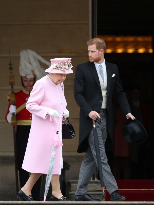PTR, Pangeran Harry dan Ratu Elizabeth II