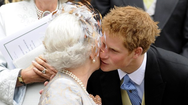 Pangeran Harry dan Ratu Elizabeth II