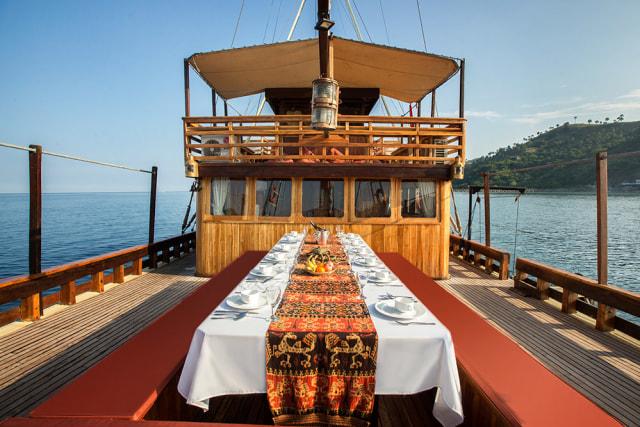 Kapal Pinisi Plataran Komodo